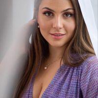 Anita Shaafi Flo